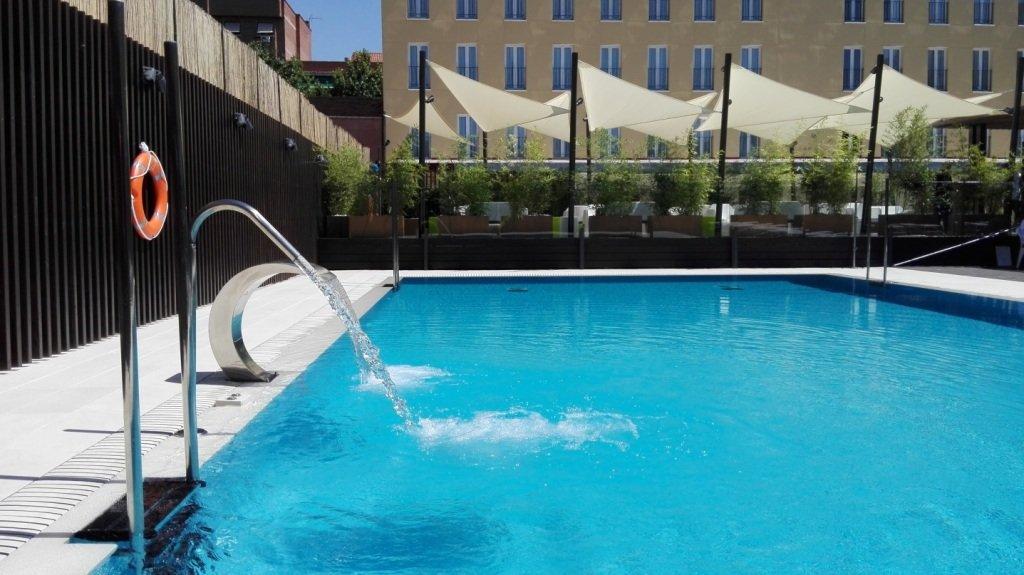 Las mejores piscinas de sercotel hotels para el verano for Las mejores piscinas municipales de madrid